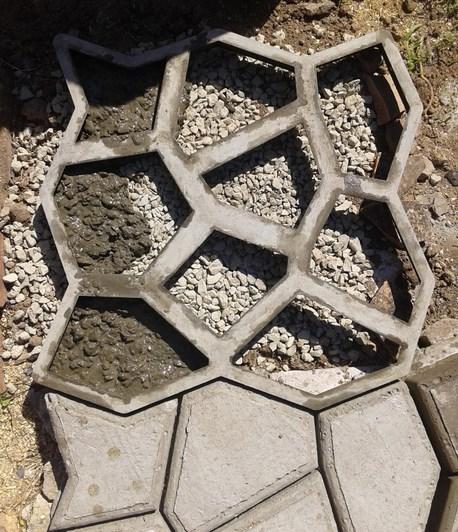 Форма для дорожки на даче